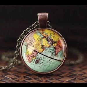 WORLD MAP PENDANT NECKLACE NEW